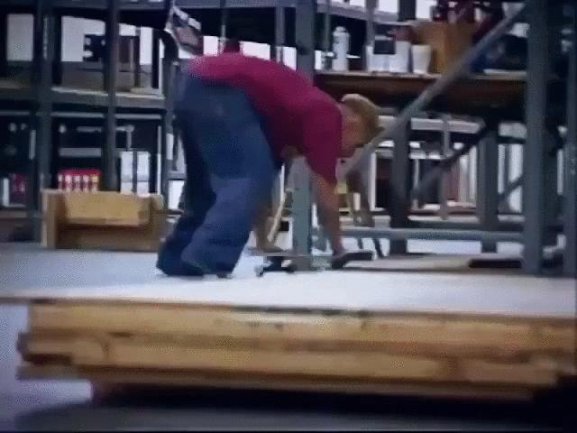 skateboard tricks handstand